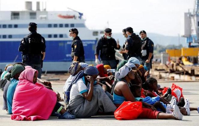 Беженцы: счастье и несчастье Германии