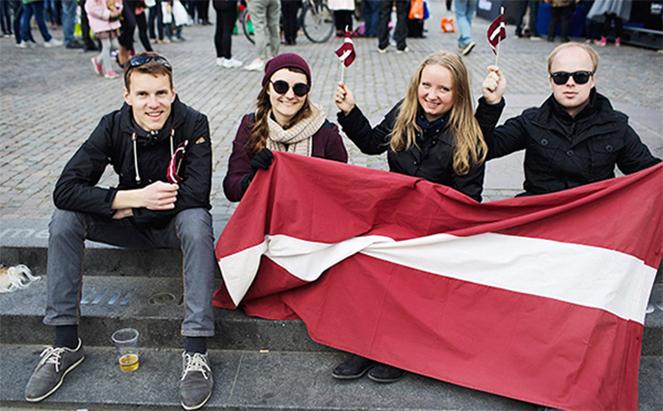 Люди в Латвии