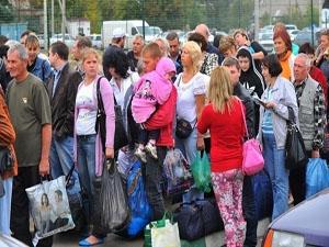 Почти в два раза меньше беженцев попросили политическое убежище в Евросоюзе
